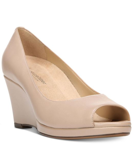 Naturalizer | Natural Olivia Wedge Pumps | Lyst