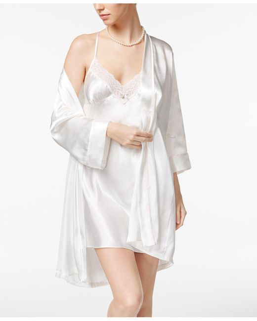 Linea Donatella - White Mrs-embroidered Wrap Robe And Chemise Set - Lyst