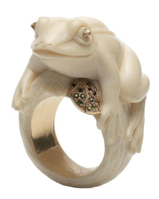 Bibi Van Der Velden - Metallic Frog With A Golden Leaf Ivory Ring - Lyst