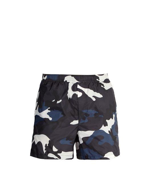 Short de bain à imprimé camouflage Valentino pour homme en coloris Blue
