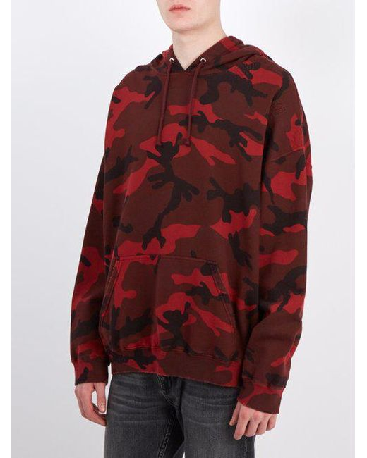 bfcaba5fe87e9 ... Valentino - Red Camouflage Print Cotton Blend Hooded Sweatshirt for Men  - Lyst ...