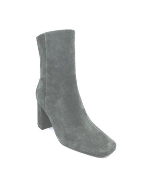 Suede Ankle Boot With ZIP Covered Heel Verde Bibi Lou de color Green