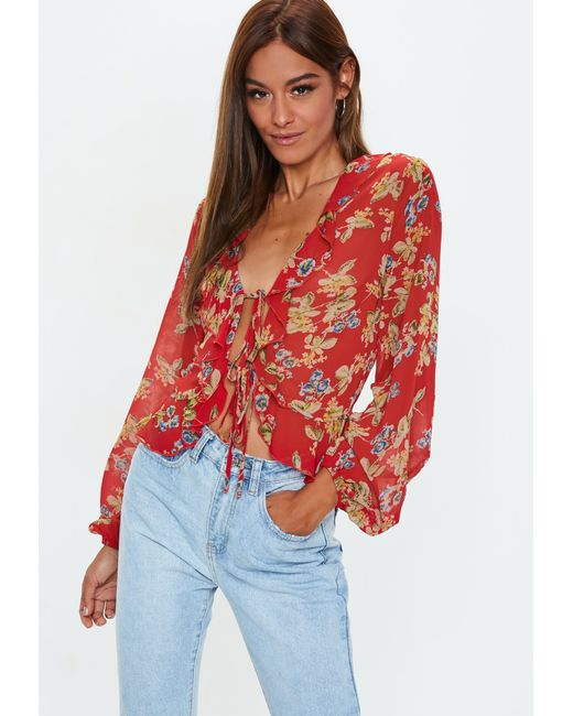 735774d68cd9e3 Lyst - Missguided Red Floral Print Tie Front Crop Top in Red
