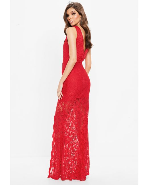 97a3d67d3c0 Lyst - Missguided Red Plunge Scallop Trim Lace Maxi Dress in Red
