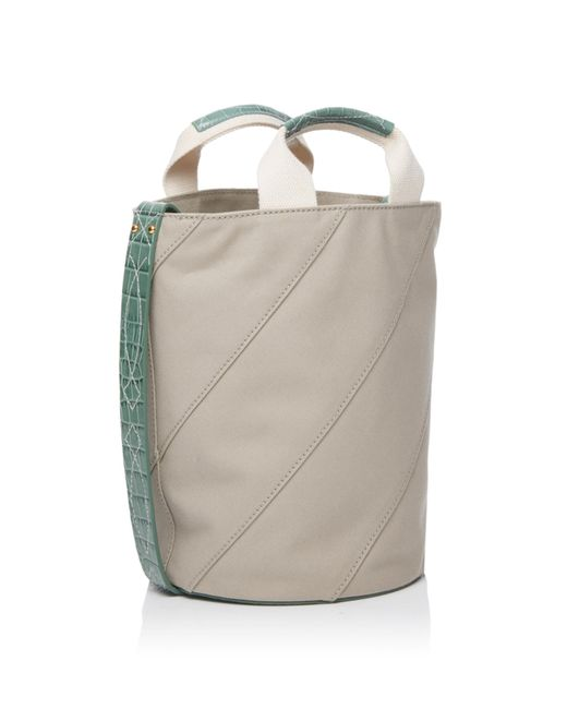 Iris Canvas Bucket Trademark Uh2GE