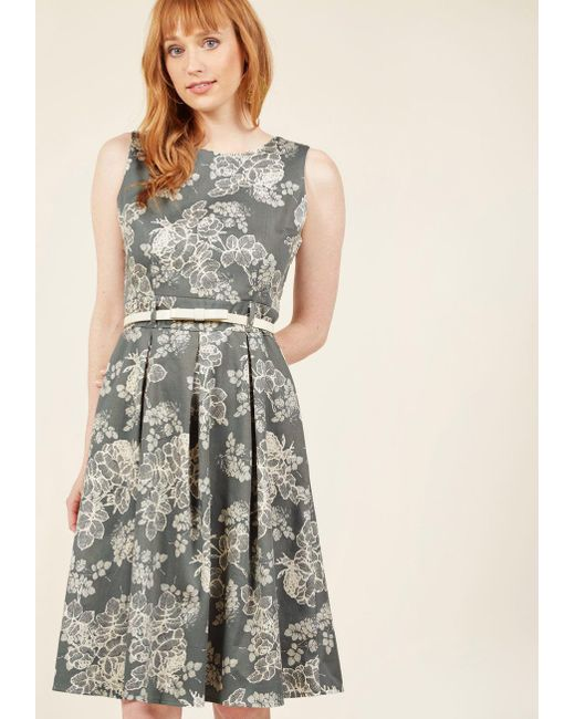 Modcloth Charismatic Capers Floral Dress