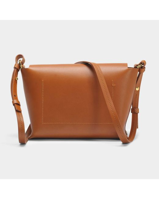 The Pinch Crossbody Bag in Tan Cowhide Sophie Hulme VXKYsYE5Ga