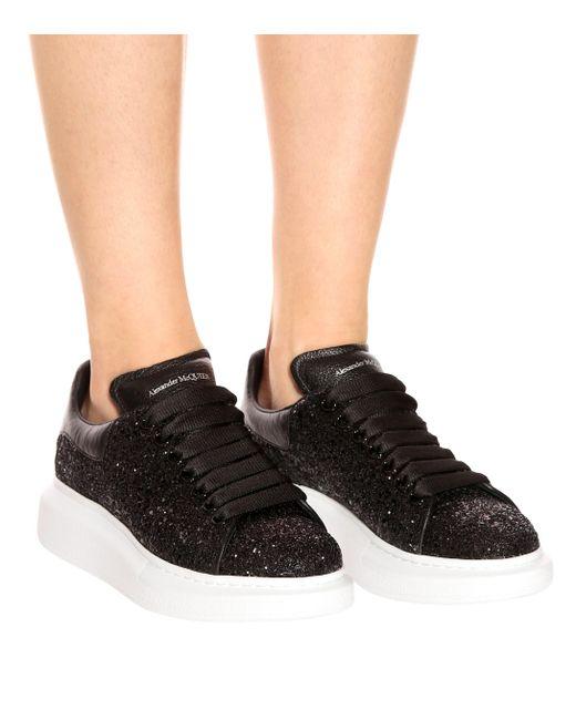 Zapatillas con plataforma y purpurina Alexander McQueen de color Black