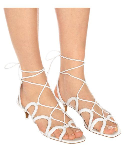 Sandales Scallop lacées en cuir Zimmermann en coloris White