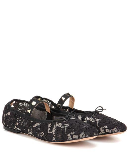 Valentino | Black Garavani Rockstud Lace Ballet Flat | Lyst