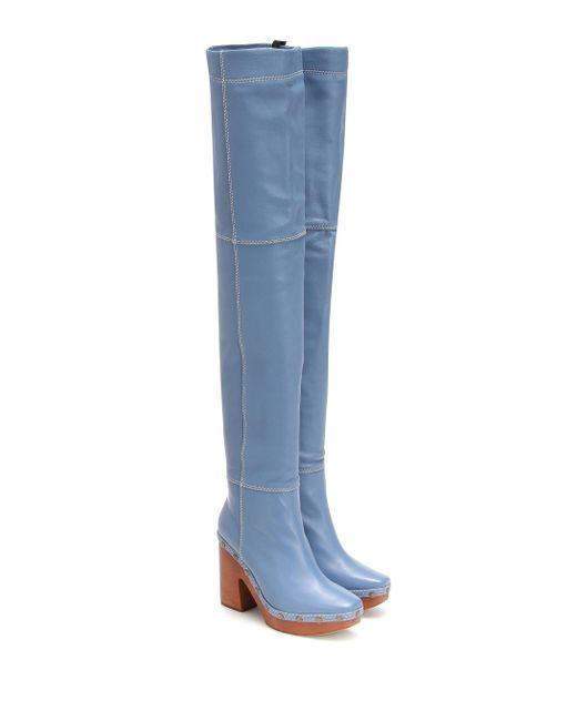 Jacquemus Botas Les Bottes Sabots Hautes de piel de mujer de color azul
