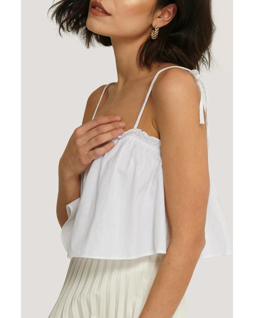 NA-KD Cropped Top Met Ruches in het White