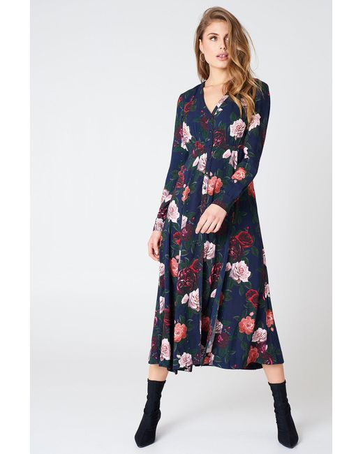 f536cf2dcb Lyst - NA-KD Button Up Maxi Dress Dark Flowers Midnight in Blue ...