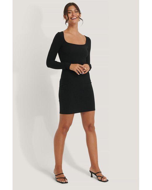 NA-KD Black Basic Geripptes Minikleid
