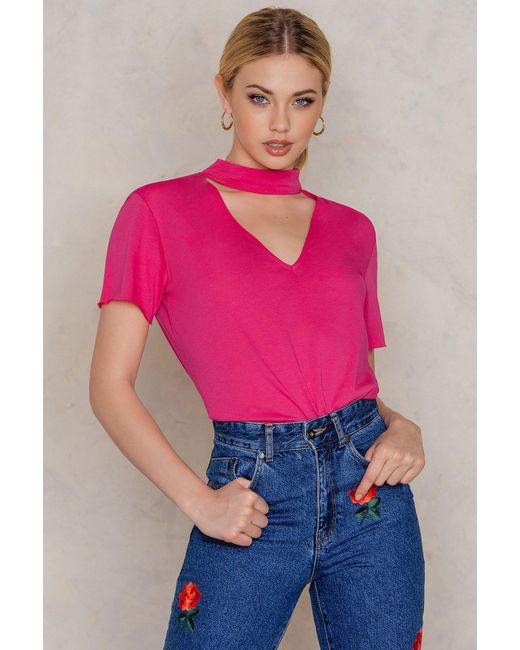 NA-KD - V Cut Out Tee Strong Pink - Lyst