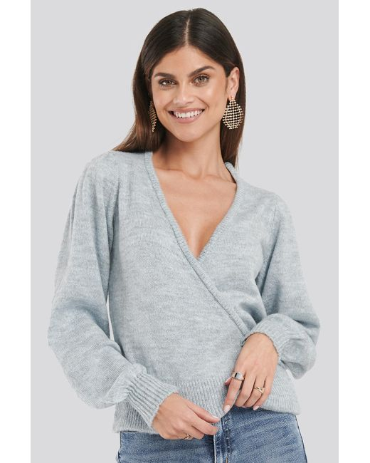 Overlap Puff Sleeve Knitted Sweater NA-KD en coloris Gray