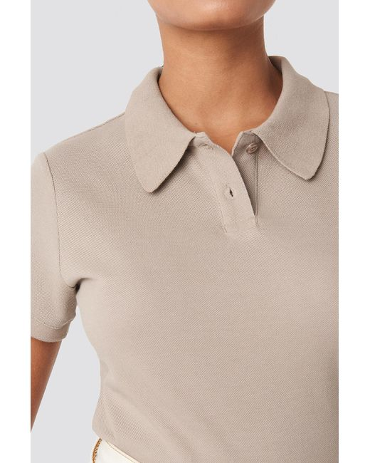 NA-KD Polo Neck T-shirt in het Natural