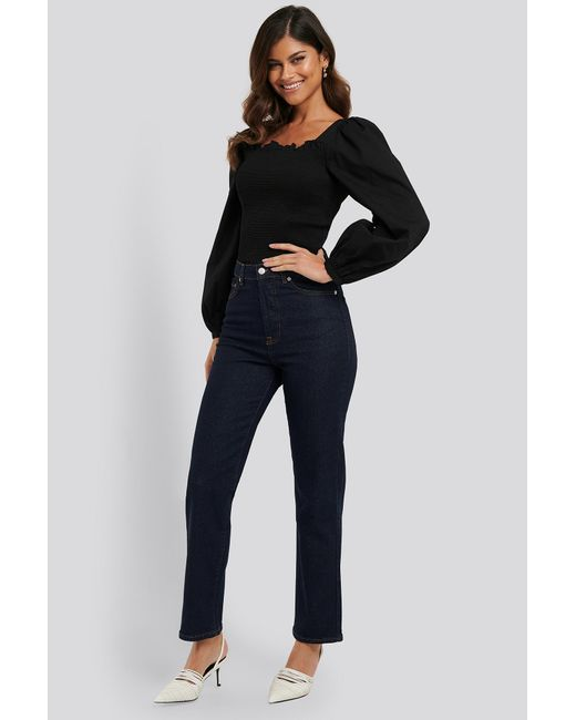 NA-KD Straight High Waist Jeans in het Blue