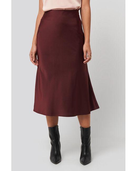 NA-KD Satin Skirt in het Red