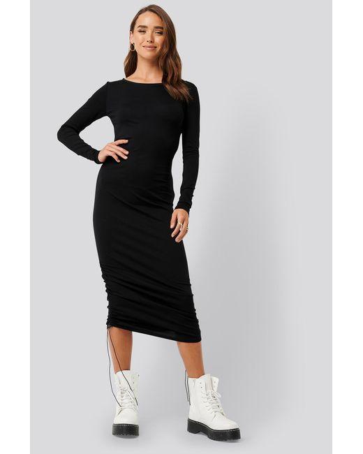 NA-KD Side Tie Ruched Long Sleeve Dress in het Black