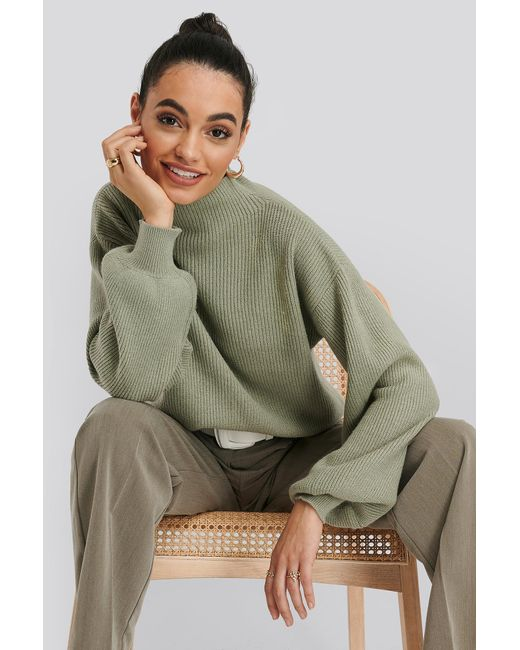 NA-KD High Neck Big Sleeve Knitted Sweater in het Green