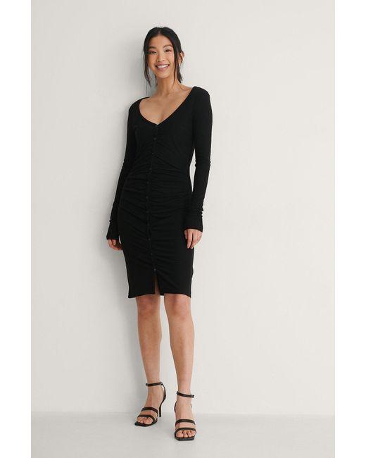 NA-KD Black Recycelt Ripp-Kleid Mit Rüschen Und Knopf