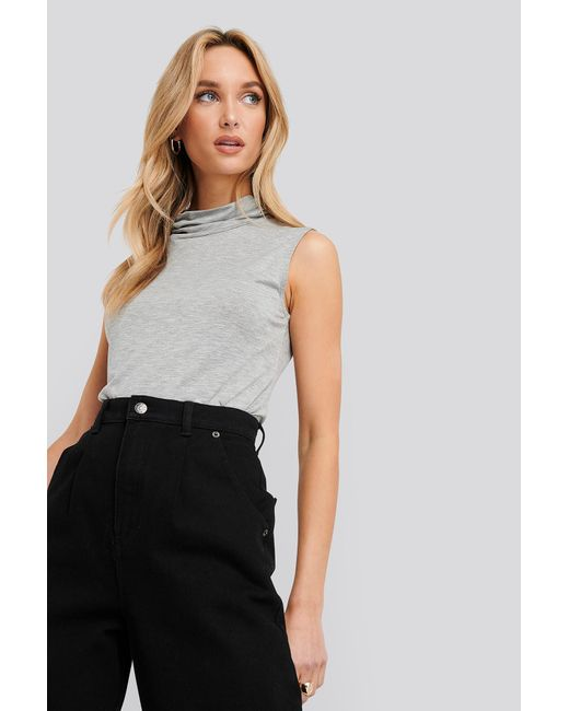 NA-KD Turtle Neck Sleeveless Ribbed Jersey Top in het Gray