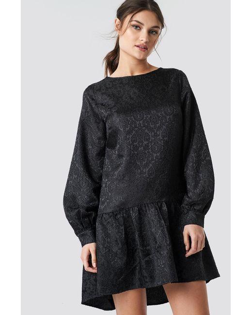 NA-KD Dip Hem Jacquard Dress Black