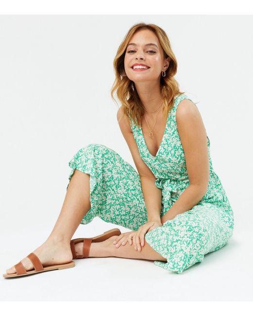New Look Petite Green Floral Tie Waist Crop Jumpsuit