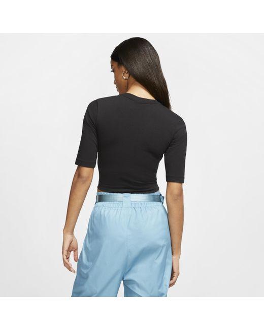 Top con manica a 3/4 Sportswear Essential di Nike in Black