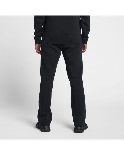 NIKE Sportswear Club Fleeced Men's Cuffed Jogger Pants White