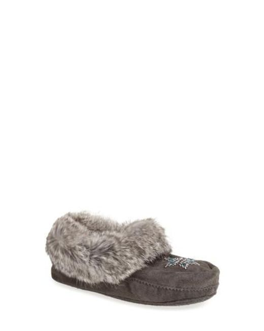 Manitobah Mukluks - Gray 'kanada' Genuine Rabbit Fur & Suede Moccasin Slipper - Lyst