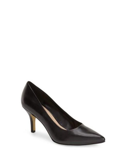 Bella Vita | Black 'define' Pointy Toe Pump | Lyst