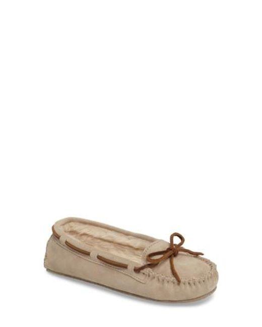 Minnetonka | Natural 'cally' Slipper | Lyst