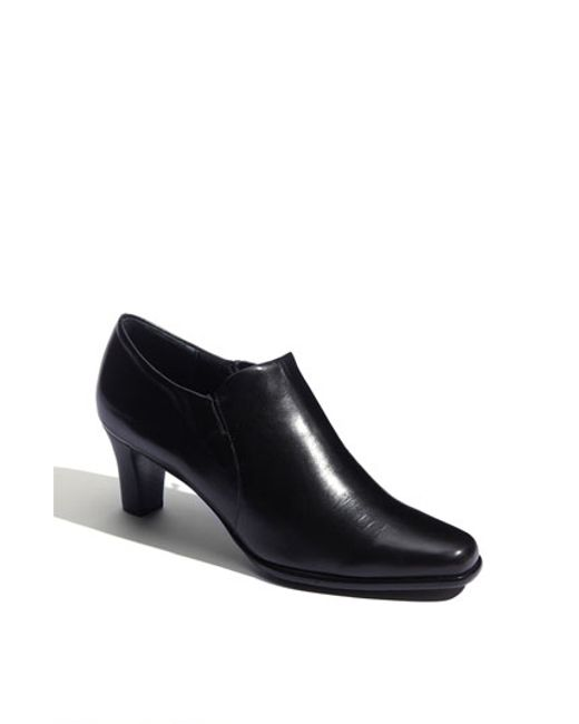 Trotters | Black Pump | Lyst