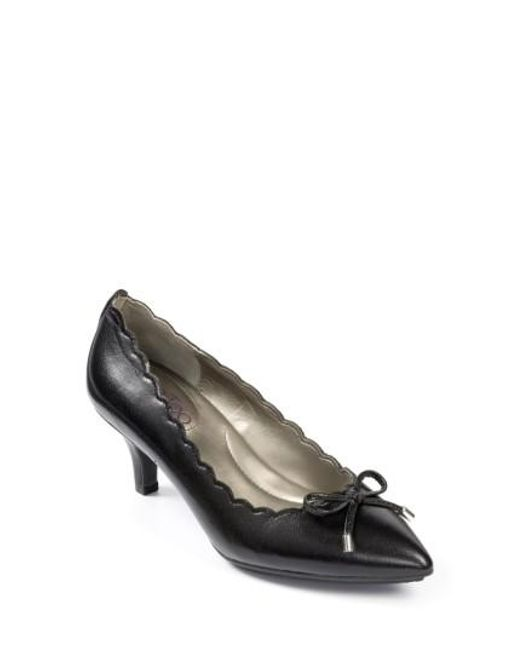 Me Too   Black Caprice Scalloped Pointed-Toe Pumps    Lyst