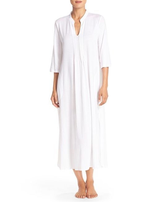 Chemises Lounge Bottoms Lounge Tops Nightgowns Pajama Sets Robes Sleep Bottoms Sleep Rompers Sleep Shirts Sleep Tops Sweatshirts & Hoodies Show Material Cashmere & Cashmere Blend Charmeuse Chiffon Cotton & Cotton Blend Faux Fur Fleece Jersey Knit Lace Microfiber Modal Nylon Polyester Satin Silk Tulle Wool & Wool Blend.