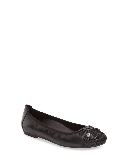 Vionic - Black 'minna' Leather Flat - Lyst