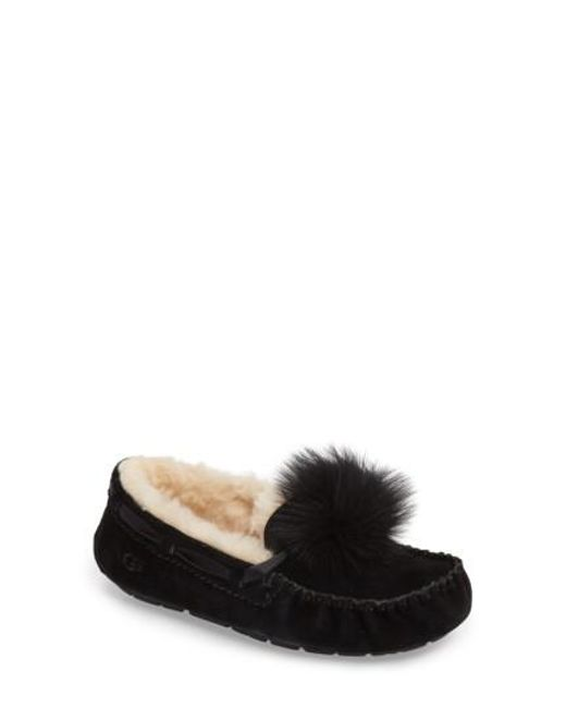 Ugg - Black Ugg Dakota Genuine Shearling Pompom Slipper - Lyst