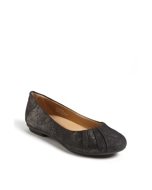 Earth | Gray Bellwether Leather Flat | Lyst