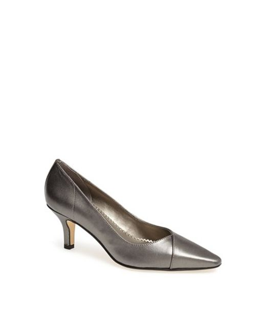 Bella Vita | Metallic 'wow' Kitten Heel Pump | Lyst