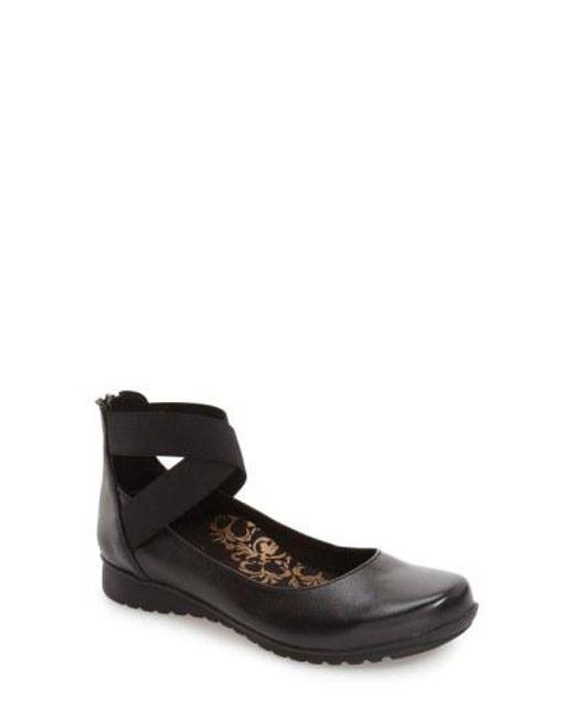 Aetrex - Black 'Dakota' Ankle Strap Ballet Flat - Lyst