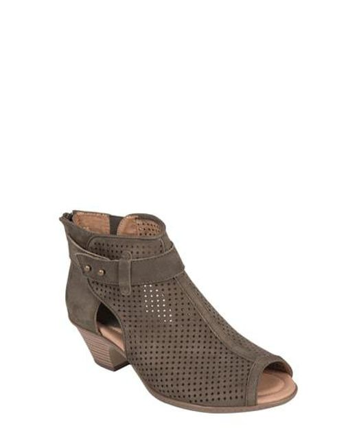 Earth - Brown Intrepid Perforated Nubuck Boots - Lyst