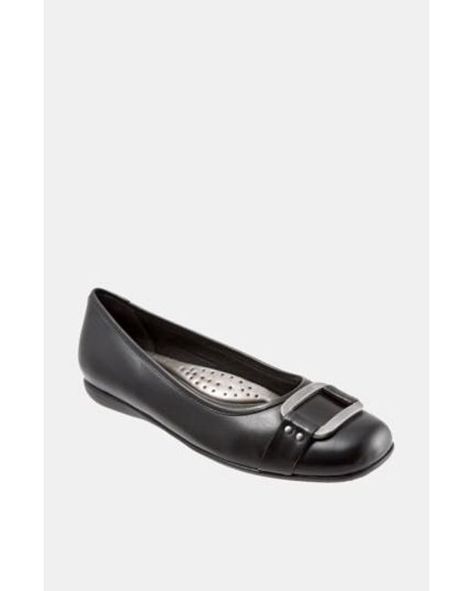 Trotters - Black 'sizzle Signature' Flat - Lyst