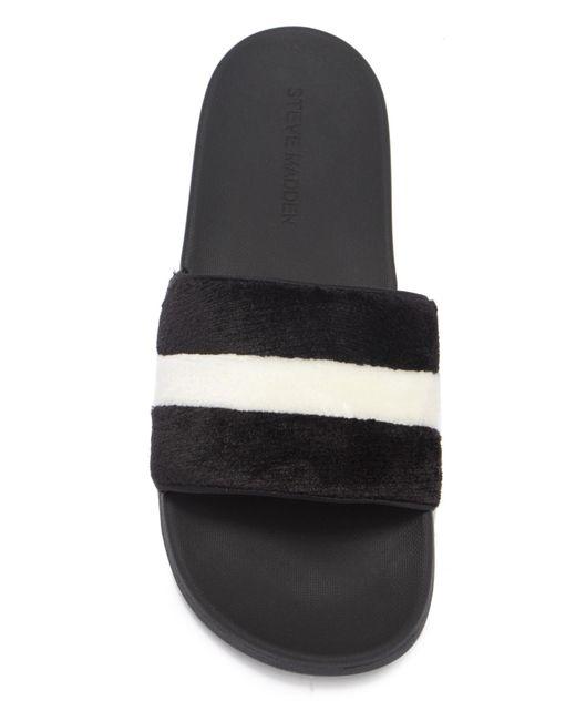 a22916b0bf6 ... Steve Madden - Black Resort Faux Fur Slide Sandals - Lyst ...