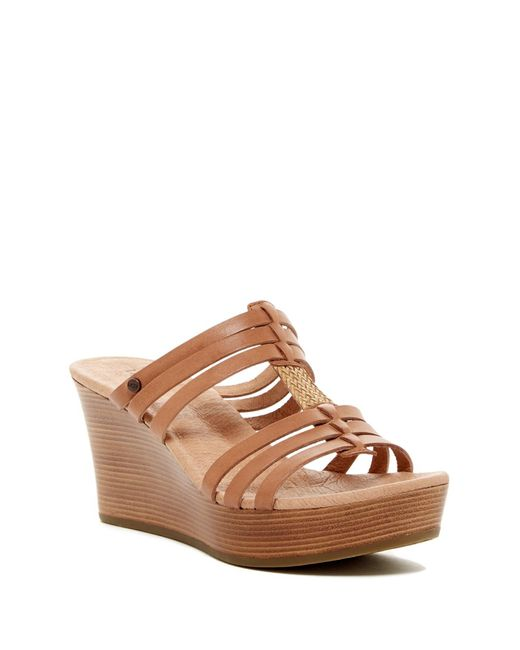 UGG | Natural Mattie Wedge Sandal | Lyst