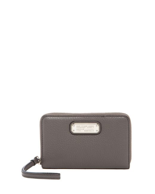 Marc Jacobs | Gray New Q Wingman Small Leather Wristlet | Lyst