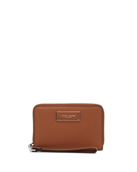 Marc Jacobs - Brown Too Hot To Handle Leather Zip Wristlet - Lyst