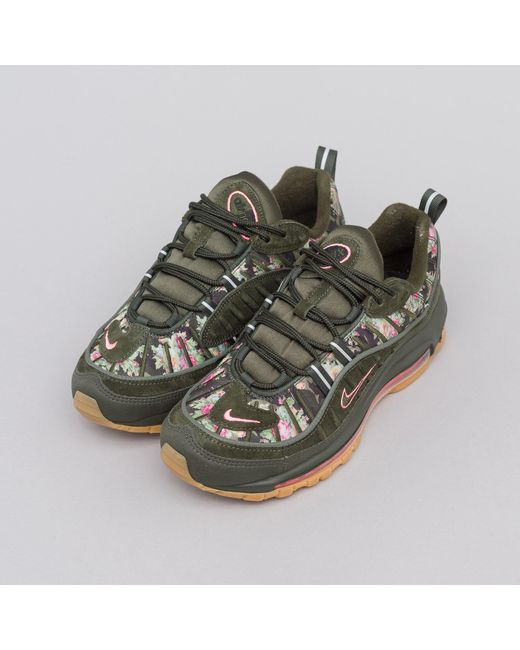 AIR MAX 95 CAMO WOMENS SHOE SUNSET TINTOLIVEGUM