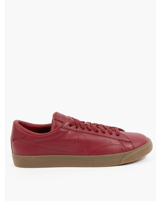 nike maroon tennis classic ac sp trainers in for